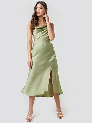 Trendyol Thin Strap Midi Dress grön