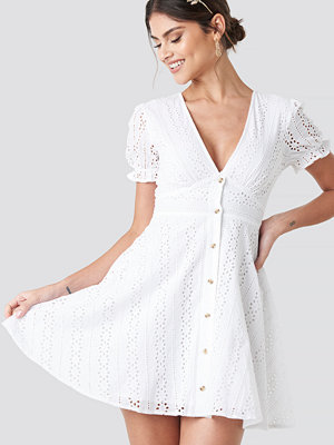NA-KD Boho V-Neck Anglaise Mini Dress vit