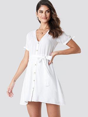 NA-KD Boho Deep V-Neck Knot Detail Dress vit