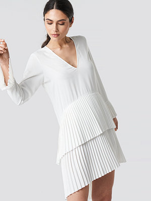 NA-KD Party Pleat Detail Layered Mini Dress vit