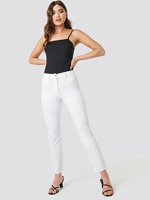 NA-KD Raw Hem Straight Leg Jeans vit