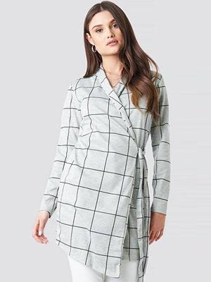 Lasula Chack Wrap Blazer Dress grå