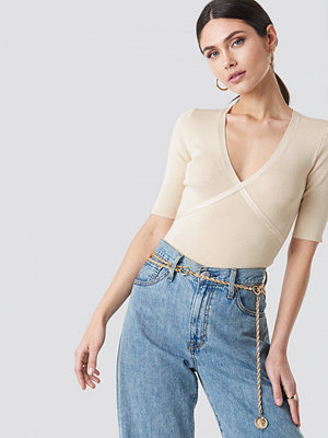 NA-KD Trend Marked Bust Line Sweater beige