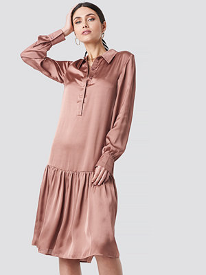 NA-KD Party Button Detail Shirt Dress rosa