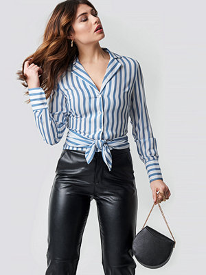 NA-KD Trend Tied Waist Striped Shirt blå