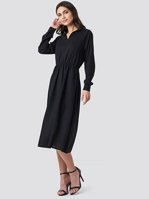 NA-KD Trend High Neck Zip Front Ankle Dress svart