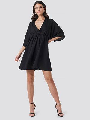 NA-KD Party Dolman Sleeve Wrap Front Dress svart