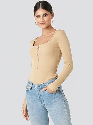 NA-KD Long Sleeve Zipped Top beige