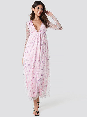 NA-KD Floral Sheer Ls Maxi Dress rosa