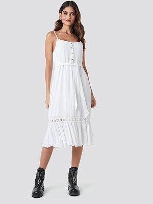 Donnaromina x NA-KD Crochet Detail Midi Dress vit
