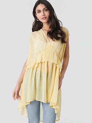 NA-KD Short Chiffon Dress gul