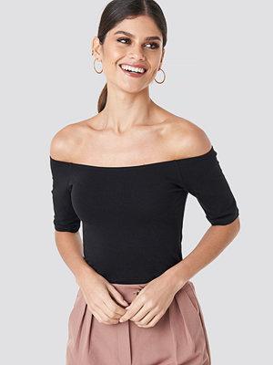 NA-KD Basic Short Sleeve Off Shoulder Top svart