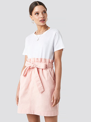 NA-KD Paper Bag Waist Denim Mini Skirt rosa