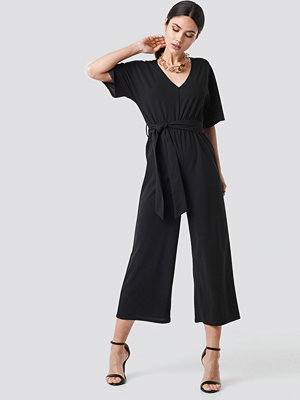Jumpsuits & playsuits - NA-KD V-neck Wide Leg Jumpsuit svart