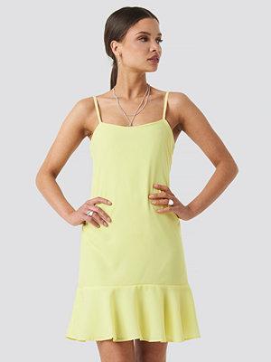 Trendyol Strap Mini Dress gul