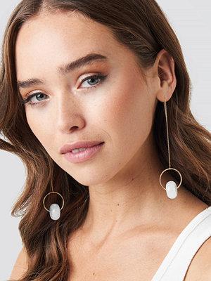 NA-KD Accessories smycke Drop String Stone Earrings guld