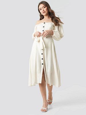 Trendyol Tulum Off Shoulder Midi Dress vit
