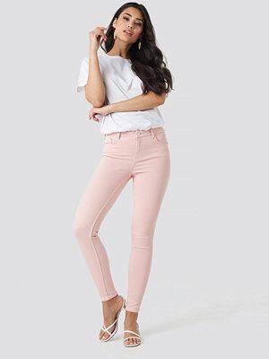 NA-KD 5 Pocket Jeans rosa