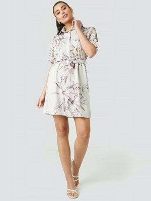Trendyol Yol Linking Detailed Dress multicolor