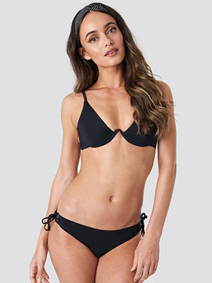 Trendyol Milla Detailed Bikini Bottom svart