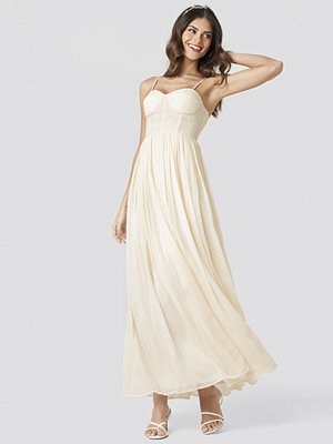 NA-KD Party Lace Part Tulle Maxi Dress beige