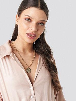 Schanna x NA-KD smycke Hamsa Hand Necklace guld