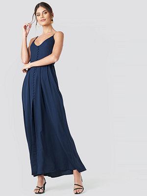 NA-KD Party Button Up V-Neck Dress blå