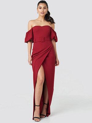 Trendyol Belted Long Evening Dress röd