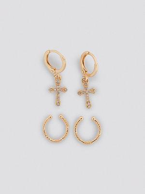 NA-KD Accessories smycke Mini Cross Earring Set guld