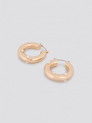 NA-KD Accessories smycke Detailed Thick Hoop Earrings guld