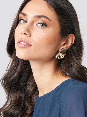 NA-KD Accessories smycke Open Fan Earrings guld