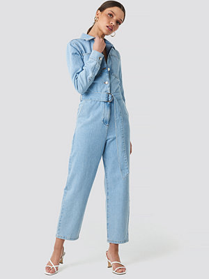 Jumpsuits & playsuits - NA-KD Trend Waist Belt Denim Jumpsuit blå
