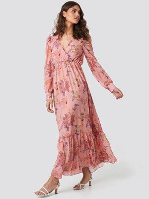 Kae Sutherland x NA-KD Floral Maxi Dress rosa