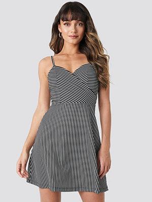Trendyol Stripe Mini Dress svart
