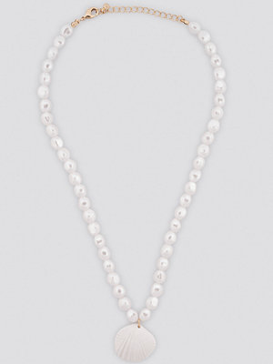 NA-KD Accessories smycke Pearl Shell Pendant Necklace vit