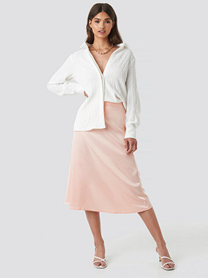 NA-KD Party Bias Cut Satin Midi Skirt rosa