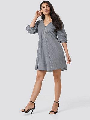 NA-KD Trend V-back and Front Short Sleeve Dress multicolor