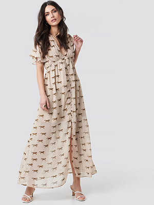 NA-KD Trend Front Button Maxi Dress beige
