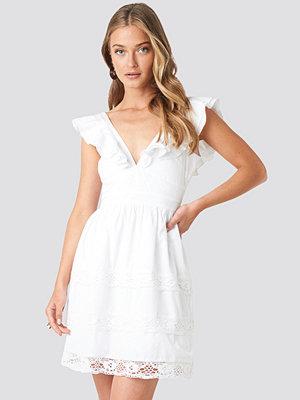 NA-KD Boho Tie Back Layered Flounce Dress vit