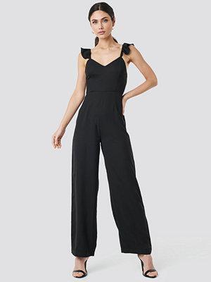 NA-KD Boho Frill Strap Jumpsuit svart