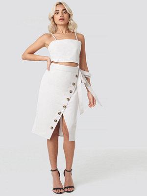 AFJ x NA-KD Belted Button Up Skirt beige
