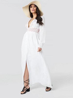 Luisa Lion x NA-KD Waist Detail Button Up Dress vit
