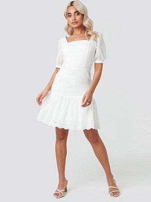 Trendyol Brode Detailed Mini Dress vit