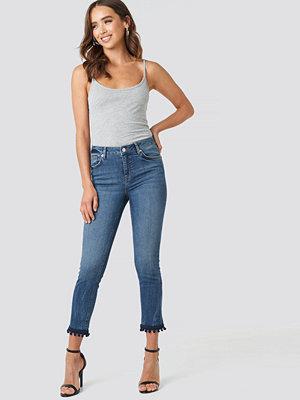NA-KD Pom Pom Trim Skinny Jeans blå