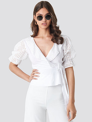 Trendyol Milla Detailed Blouse vit