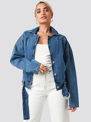 Trendyol Belt Detailed Denim Jacket blå
