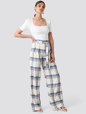 Trendyol vita rutiga byxor Checkered Plaid Trousers vit multicolor