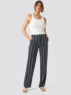 NA-KD Classic svarta randiga byxor Wide Striped Suit Pants blå