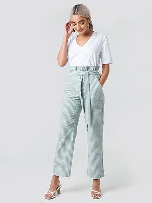 NA-KD randiga byxor Paper Waist Striped Trousers grön