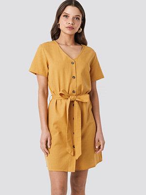 NA-KD Linen Look Buttoned Dress gul